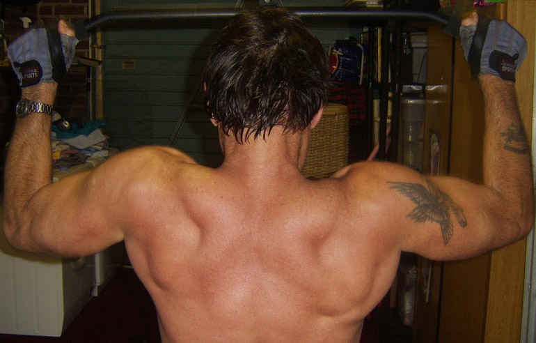 How To Build Shoulder Muscles For Wider Look
